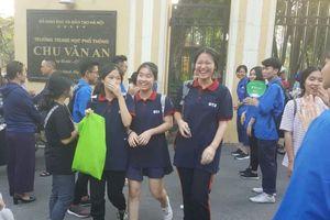 Học sinh Hà Nội hồ hởi với các đề thi chuyên lớp 10