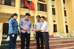 4 công nhân Cty Nam Phương gửi đơn kiện công ty ra tòa