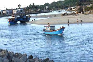 Đẩy nhanh nạo vét, thông luồng hai cửa biển ở Đà nẵng