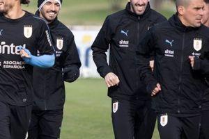 Không Messi, Suarez 'đeo dính' Diego Godin trên tuyển