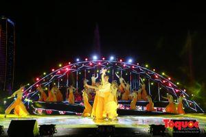 Ấn tượng chương trình nghệ thuật đêm pháo hoa thứ tư DIFF 2018