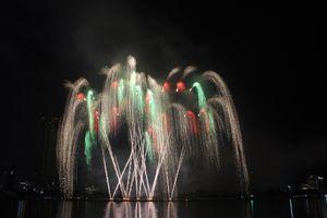 Chung kết lễ hội pháo hoa: Hai đội Mỹ và Italy so tài