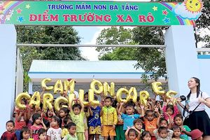 Bàn giao 2 trường học mới phục vụ học sinh nông thôn và miền núi