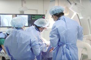 Cứu sống 1 bệnh nhân người Pháp bị nhồi máu cơ tim