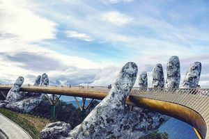 Cây cầu bàn tay khổng lồ ở Đà Nẵng, điểm 'check in' mới gây sốt của giới trẻ