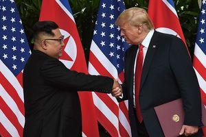 Thượng đỉnh Mỹ-Triều: Cái bắt tay bước qua quá khứ