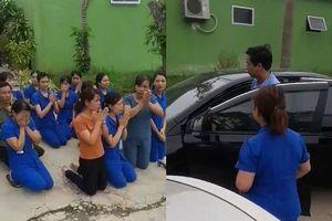 Hàng chục cô giáo khóc lóc quỳ gối cầu xin không đóng cửa nhà trẻ