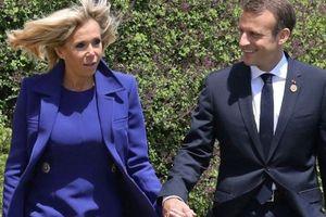 Vợ chồng Tổng thống Pháp gặp họa vì bộ đĩa ăn