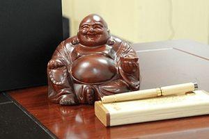 Đặt tượng Phật Di Lặc chuẩn phong thủy để tài lộc ầm ầm kéo tới