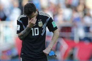 Đôi chân của Messi 'cứng như đá' trong trận đấu gặp Iceland