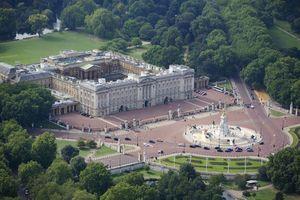 Minh chứng cho thấy độ giàu có 'khét tiếng' của Hoàng gia Anh