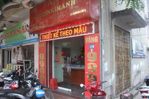 Hà Nội: 'Tay không' táo tợn xông vào tiệm cướp vàng