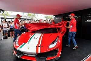 Cận cảnh siêu phẩm Ferrari 488 Pista phiên bản đặc biệt Piloti Ferrari