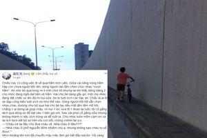 Chiếc xe đạp tuột xích và câu chuyện ấm lòng trong chiều mưa Hà Nội