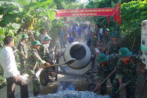 Bộ CHQS tỉnh Thừa Thiên - Huế tích cực tham gia xây dựng nông thôn mới
