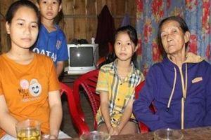Bố bệnh, 3 chị em mồ côi mẹ sống nhờ bà 70 tuổi trong ngôi nhà gần sập