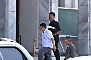 Cựu thị trưởng Thái Lan bị 2 tháng tù giam vì lột quần nhà báo