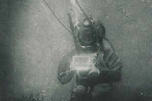 Người khai sinh nghệ thuật nhiếp ảnh dưới nước