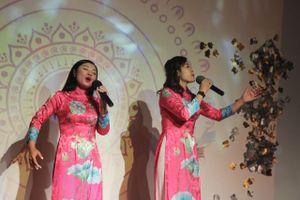 Sao Mai Bích Hồng – Thu Hằng thực hiện đêm nhạc riêng tại Pháp