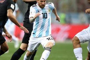 'Messi đang bị tra tấn, tổn thương, khóc suốt vì giấc mơ World Cup'!