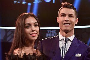 Ronaldo và Georgina - Đàn ông cần người phụ nữ của gia đình