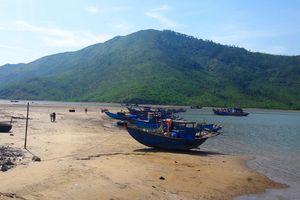 Ngư dân lo ngại vì khu tránh bão 8 năm làm chưa xong