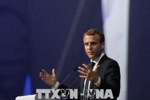 Pháp ủng hộ trừng phạt các nước EU từ chối tiếp nhận người di cư