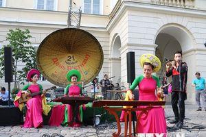 Ấn tượng Ngày Việt Nam tại thành phố Lviv của Ukraine