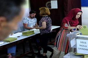 Toàn cảnh người dân Thổ Nhĩ Kỳ bỏ phiếu sớm bầu tổng thống
