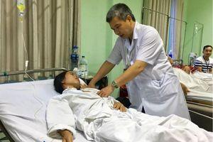 6 giờ căng thẳng phẫu thuật khối u khổng lồ cho một phụ nữ