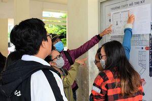 Hàng ngàn thí sinh Cà Mau, Bạc Liêu đến điểm thi tốt nghiệp THPT