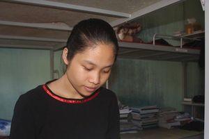 Cô học trò J'rai ăn rau rừng, chăn bò thuê nuôi ước mơ thành nhà báo