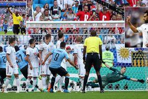 Cavani 'nổ súng', Uruguay đánh chiếm ngôi đầu bảng A