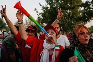 CĐV Iran dùng Kèn Vuvuzelas để phá sức CR7