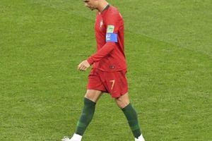 Đá hỏng phạt đền, Ronaldo lập kỷ lục tệ chưa từng có