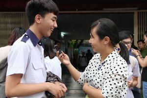TPHCM: Chia sẻ của những phóng viên tác nghiệp tại kỳ thi THPT quốc gia