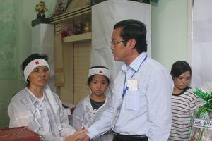 Thứ trưởng Nguyễn Văn Phúc chia buồn cùng gia đình thầy giáo qua đời trong thời gian làm nhiệm vụ coi thi