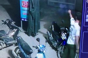 Xác minh vụ Trưởng công an xã nổ 2 phát súng để giải tán đám đông