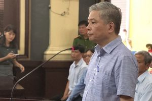 Vụ xử nguyên Phó Thống đốc: Luật sư liên tiếp 'hỏi xoáy' cựu lãnh đạo ngành Ngân hàng