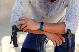 Lựa chọn đồng hồ đeo tay Fitbit phù hợp theo dõi luyện tập sức khỏe