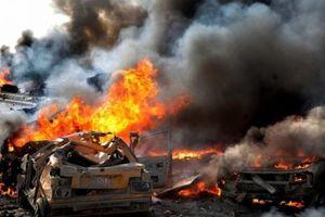 Clip: Quân đội Syria bắn nổ tung xe bom cảm tử của phiến quân