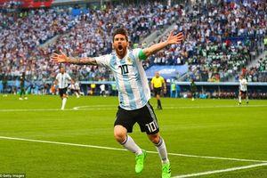 Khoảnh khắc vỡ òa của Messi