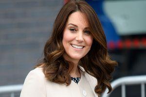 Rộ tin Công nương Kate Middleton mang thai lần 4 chỉ sau khi sinh Hoàng tử Louis 3 tháng