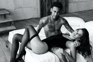 Cận cảnh bạn gái xinh đẹp khích lệ Neymar trước trận đấu với Serbia