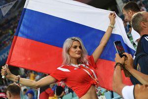 Những bóng hồng xinh đẹp và gợi cảm 'thiêu cháy' World Cup 2018