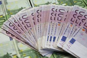 Đồng Euro tăng mạnh nhờ EU đạt thỏa thuận về di cư
