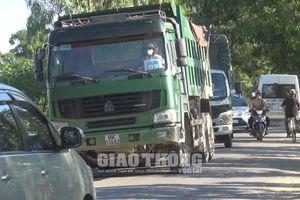 'Hung thần' xe tải hạng nặng 'trốn' trạm thu phí, TNGT rình rập người dân