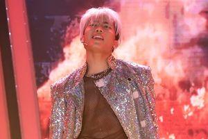Anh Tú hóa thân thành Taeyang Big Bang, khoe thân hình 6 múi gây phấn khích