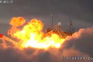 Tên lửa Nhật Bản bất ngờ rơi ngược lại bệ phóng, phát nổ kinh hoàng