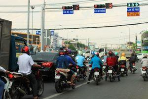 Dân Cần Thơ bối rối trước hệ thống đèn tín hiệu giao thông mới